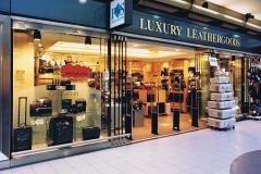 12-10-Luxe-lederwaren-en-reisartikelen-winkel-Schiphol
